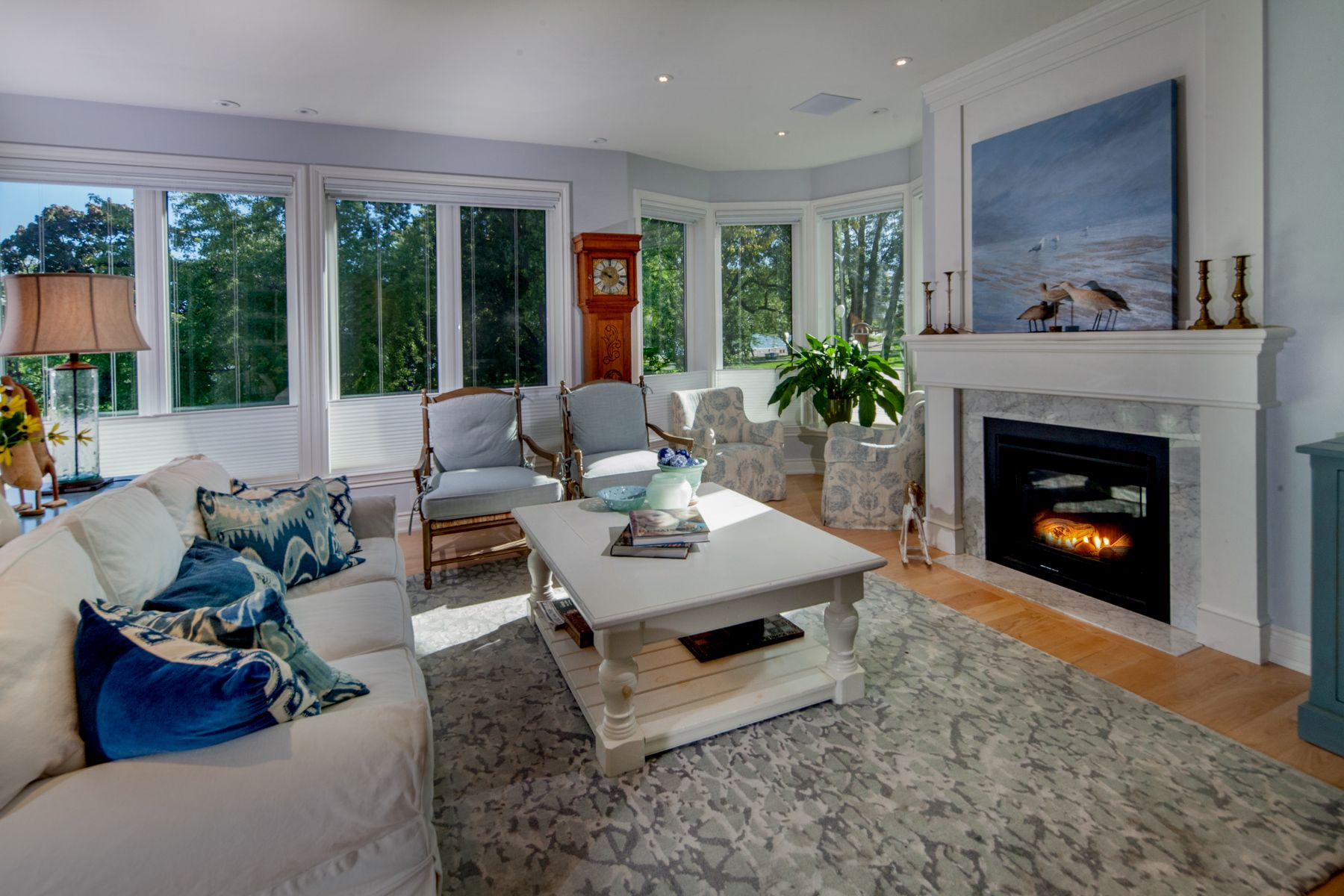 kewbeachouse upper unit living room
