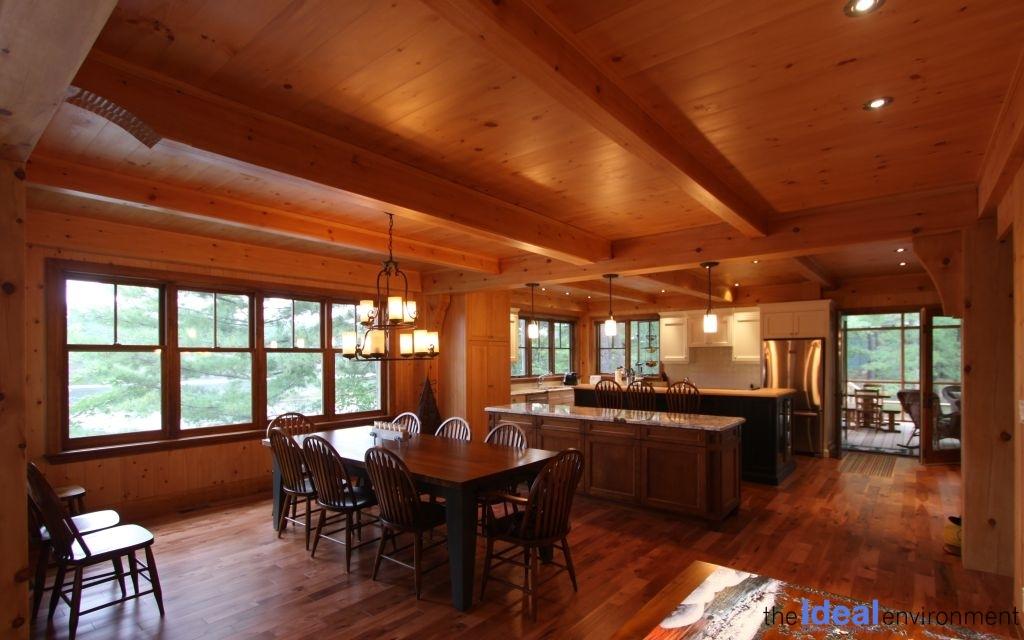 Muldrew Lake Cottage Dining Area