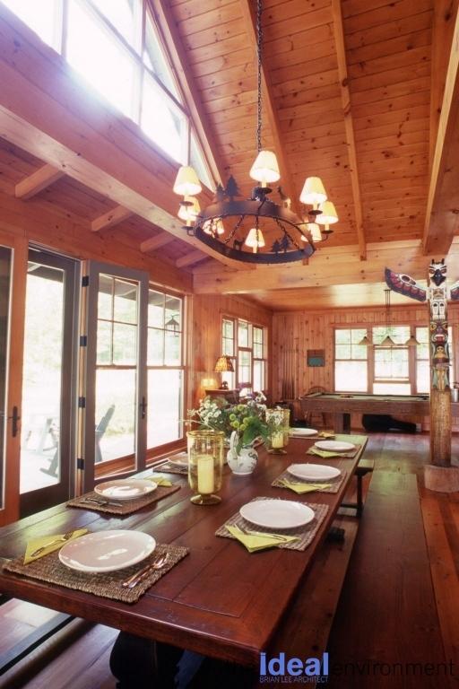 Lake Rosseau Cottage Dining Area