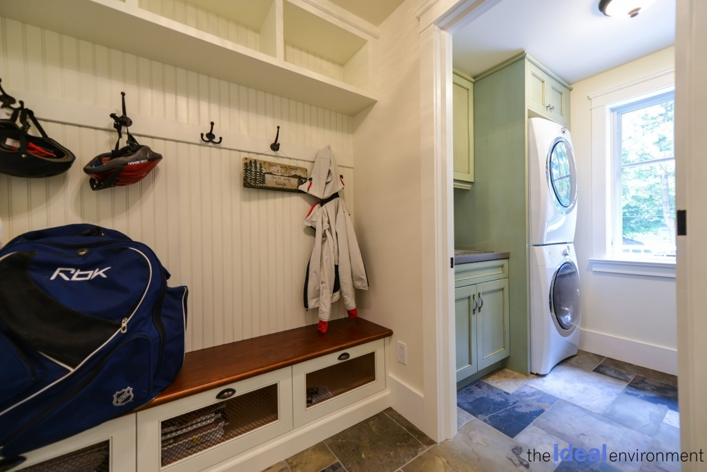 Chemong Lake Country Home Laundry Room